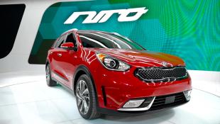 В США и Канаде стартовала продажа гибридного кроссовера Kia Niro