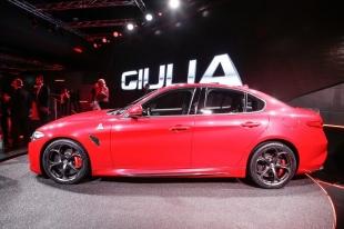 Компания Alfa Romeo прекращает поставку седанов в Россию