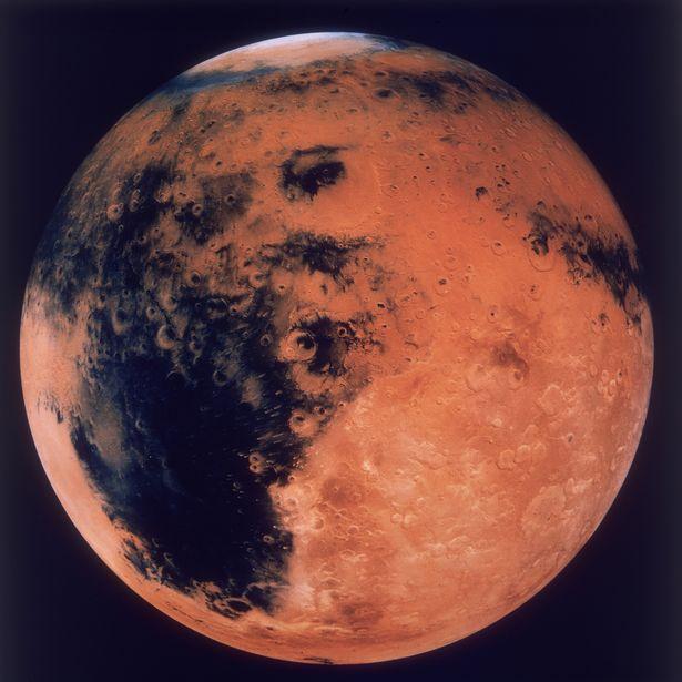 Уфологи: НаМарсе отыскали потерпевший крушение инопланетный корабль